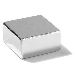 Q-30-30-15-N, Parallélépipède magnétique 30 x 30 x 15 mm, néodyme, N45, nickelé